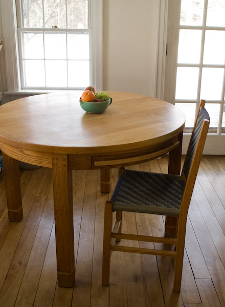 Michael Hoy Woodworking -- Round Kitchen Table